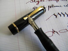 Superb Black Old Shap Pen from the 40s/50s Extra Flexible Nib