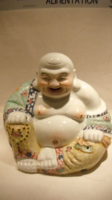Famille rose porcelain Buddha - China - circa 1920