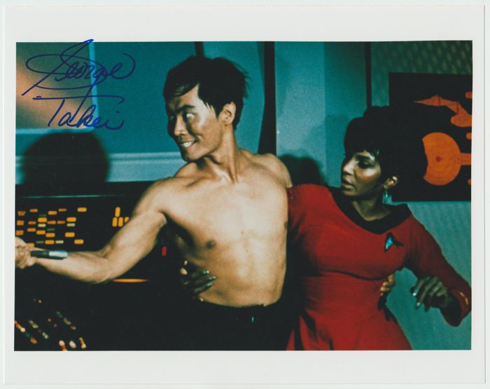 Star Trek TOS - signed 8x10 inch photo - autographed by George Takei as Lt. Hikaru Sulu