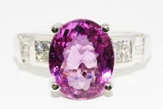 5.18 ct ring with natural pink tourmaline and diamonds made of 950 platinum -no reserve price-