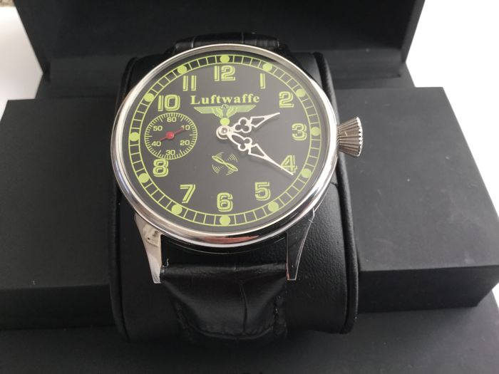 "Molnija - military ""Luftwaffe"" style marriage watch 60   - Heren - 1960-1969."