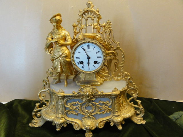 French romantic mantel clock zinc alloy gilded with white alabaster - Period 1880