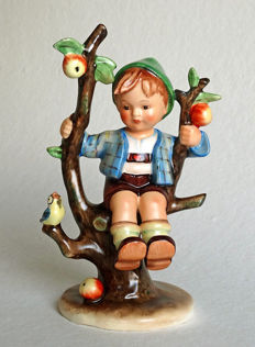 Early Hummel Goebel - no. 142/1 - Herbst / Apple Tree Boy - Full Bee