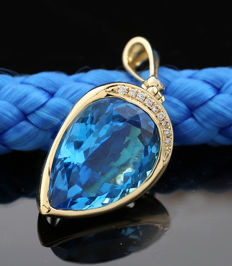 Blue topaz brilliant pendant weighing a total of 13.88 ct 585 yellow gold ---no reserve price---