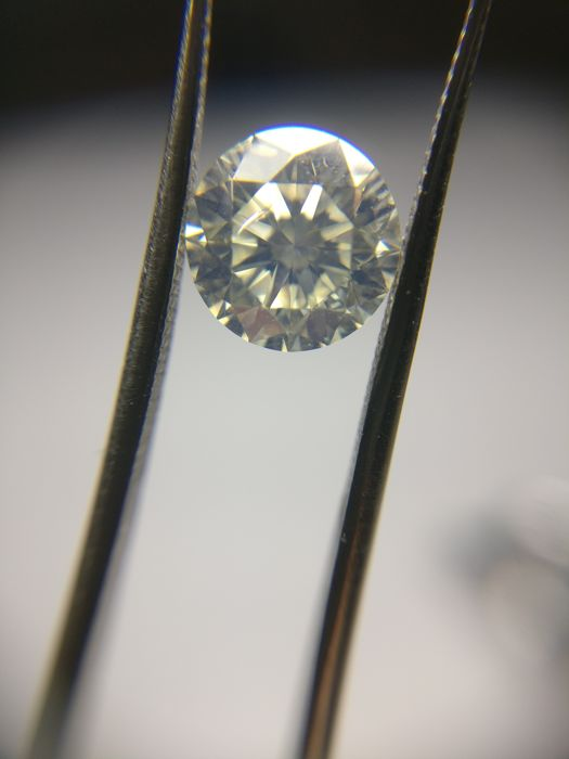 1.29 ct Round cut diamond N SI2
