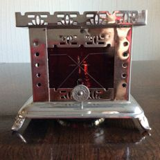 Tea light with red cut glass
