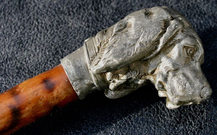 Dog-shaped pewter cane with wood stick - beginning of 20th century