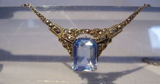 Art Deco necklace with facetted light blue spinel of 15 ct, made circa 1920/25