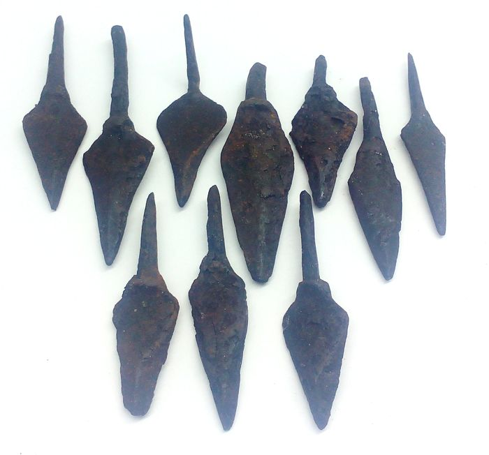 Medieval iron arrowheads - 41-62mm (10)