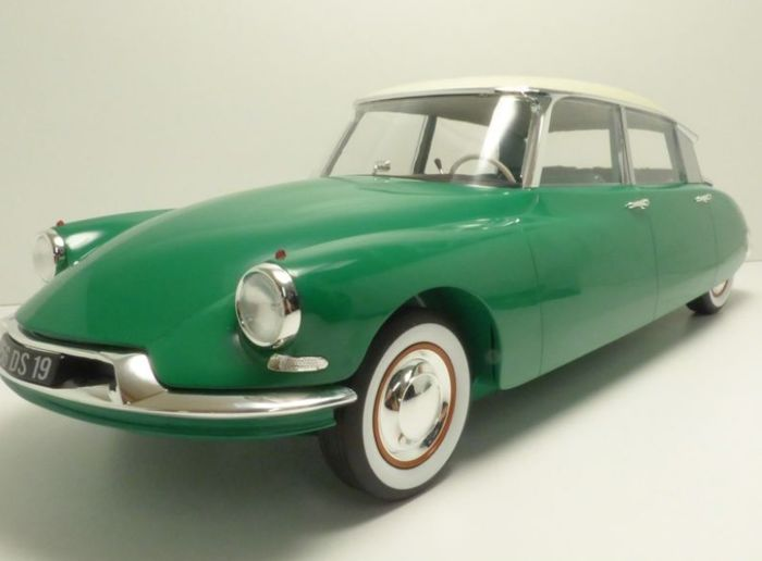 Norev - Scale 1/18 - Citroën DS 19 1956 - Champagne & Green