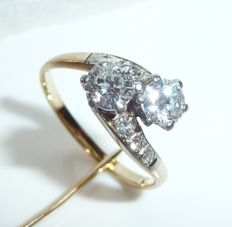 Ring 14 kt / 585 gold with approx. 0.95 ct diamonds of which 2x 0.40 ct  Ring size 53 - adjustable