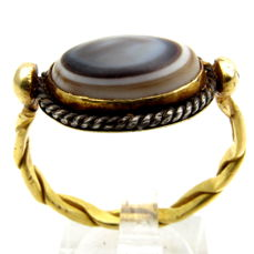 Ancient Roman Gold Ring with Agate Stone - 23mm