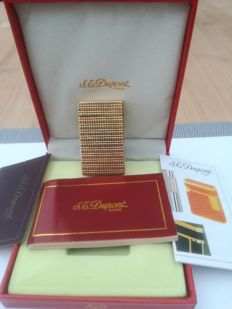 Beautiful gold plated Dupont from the 1980s.
