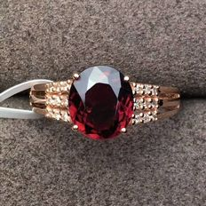 18 KT gold Ring 1.72G set with 1.55 ct Tourmaline and 0.09 ct Diamonds - Size: 6.75US - Free Resizing