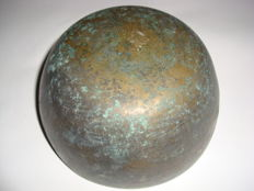 A Chinese bronze bowl - 132 mm x 63 mm