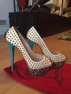 Christian Louboutin - Court shoes