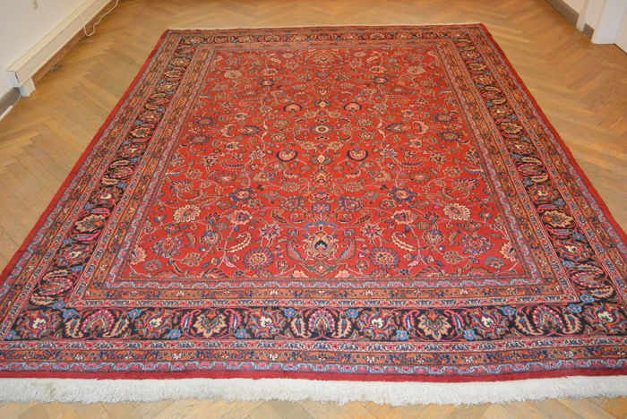 High quality, beautiful Persian carpet, Sarough, 401 x 307 cm. End of the 20th century