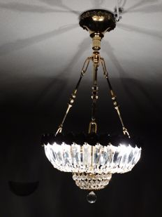 Pendant lamp in brass and crystal, of French origin, from the 1950's