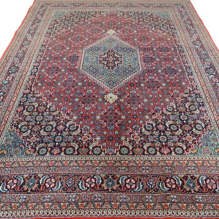 Beautiful hand-knotted oriental Bidjar carpet, 195 x 295 cm