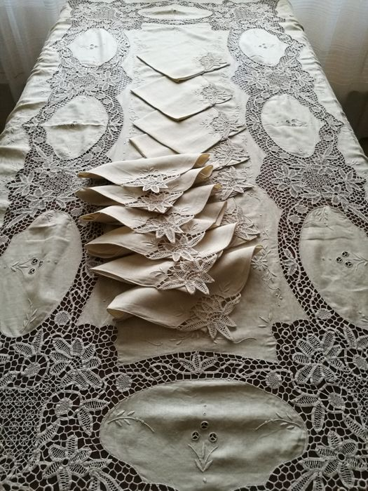 Delicieux Italian Manufacture   U201cJewelu201d Tablecloth With 12 Napkins Made Of Linen And  Burano Lace