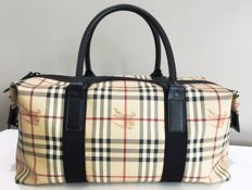 Burberry – Travel / gym bag with shoulder strap
