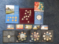 Europe - Collection of various sets of coins and coin fivers