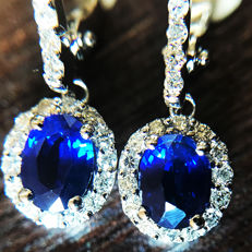 1.81ct Sapphire and Diamond Earrings made of 18 kt white gold - Length of Earrings: 25mm - NO RESERVE -