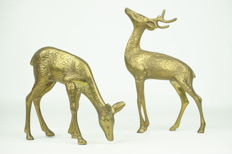 Lot of two vintage design fallow deer made of brass - 18 cm