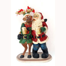 Very nice statuette of a Santa Claus with reindeer