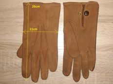 DRIVING '40s german suede leather gloves, size L....I have 175cm/90kg and for me is ok