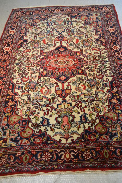 Beautiful Persian carpet 156 x 112 cm. End of the 20th century