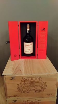 Glenfarclas 40 years old and its box - OB - 700ml