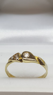 14 kt yellow gold women's ring with zirconia, size 18