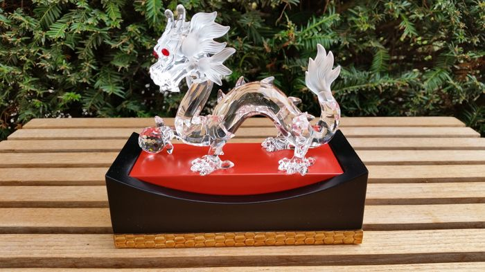 Swarovski - annual edition the Dragon - display