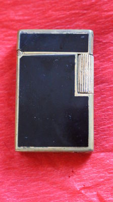 France Paris Dupont black lacquered lighter, Chinese lacquered, signed, from the 60s