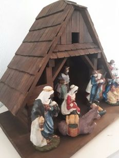 Beautiful Christmas group of porcelain in large stable