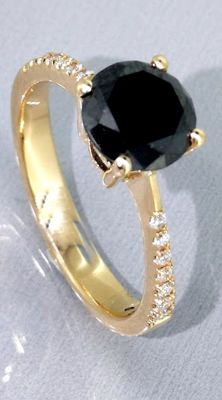14kt Golden Ring with a 1,42ct black diamond  &  0,10ct white diamonds *** No reserveprijs ***