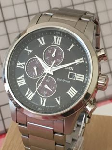 "Citizen Eco Drive Solar ""Chronograph"" -- men's wristwatch -- 2016 -- used, in mint condition."