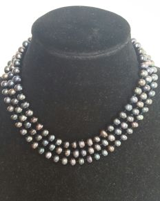 Necklace of dark grey cultured freshwater pearls - Length: 132 cm