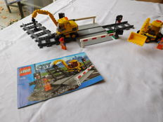 City - 7936 + 7992 - Level Crossing + Container Stacker