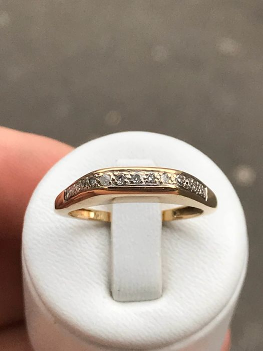 18 kt yellow gold ring with diamonds, size 59 / 18.93 mm
