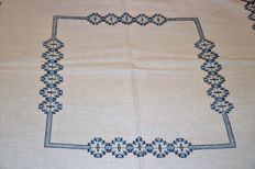 Tablecloth totally handmade in Yugoslav point