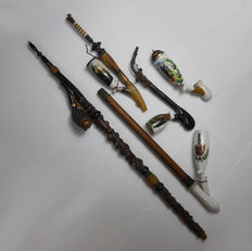 Lot of 5 pipes in painted porcelain, in colour, made by hand, around 1850-1860. Origin Germany