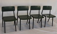 Friso Kramer voor Ahrend de Cirkel - 4 'Revolt' foldable chairs, color green