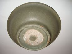 A Chinese monochrome green celadon bowl -  141 mm x 42 mm