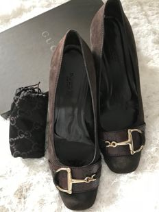 Gucci women's shoes with logo