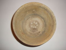 A painted Chinese blue and white terracotta bowl  - 135 x 80 mm