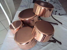 Set of five copper pots stainless steel interior Professional 20th century, French manufacturing