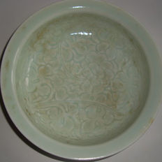 Chinese light green celadon bowl with rich flower decoration  -  160 mm x 43 mm