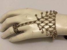Silver ring finger bracelet - India - c. 1930